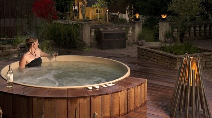 Fascinating Information about Contemporary Hot Tubs