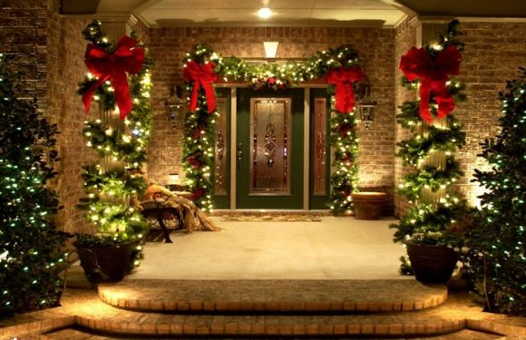 Indoor and Outside Country Christmas Decor