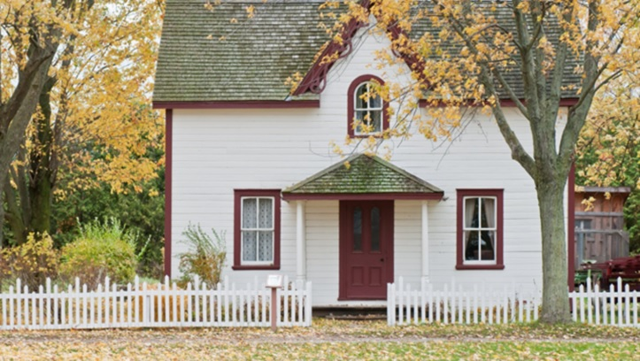 picket timber fences